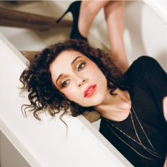 The beautiful and talented St. Vincent, Ms. Annie Clark, Photo: Tina Tyrell via ilovestvincent.com