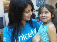 Selena Gomez in Valparaíso, Chile. Photo via unicef.org