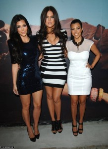The-Kardashian-Sisters-the-kardashians-11869128-729-1000