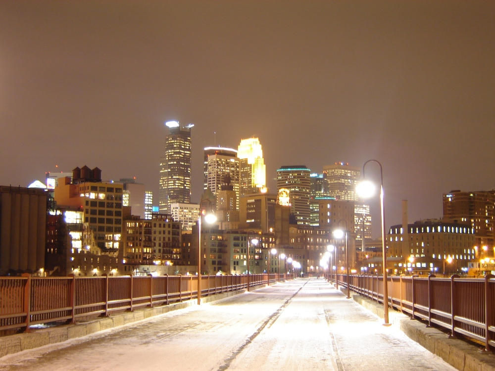 Downtown_Minneapolis_at_night