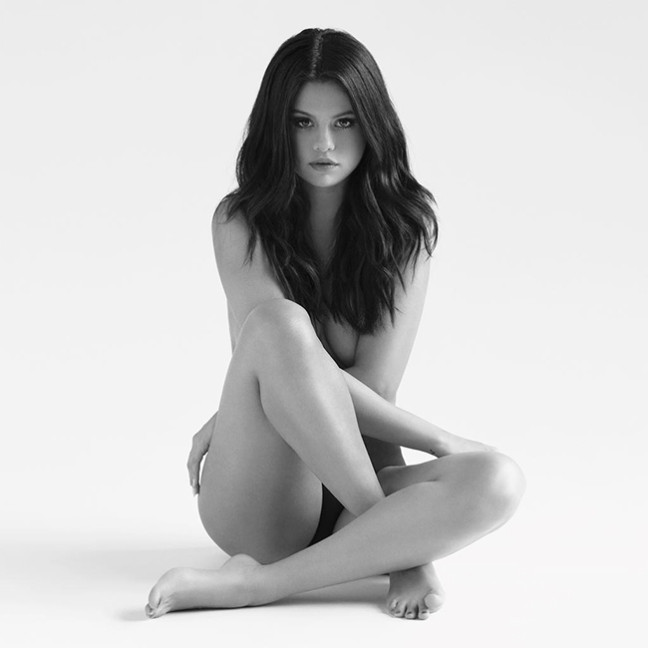 selena-gomez-revival-album-2015-billboard-650x650